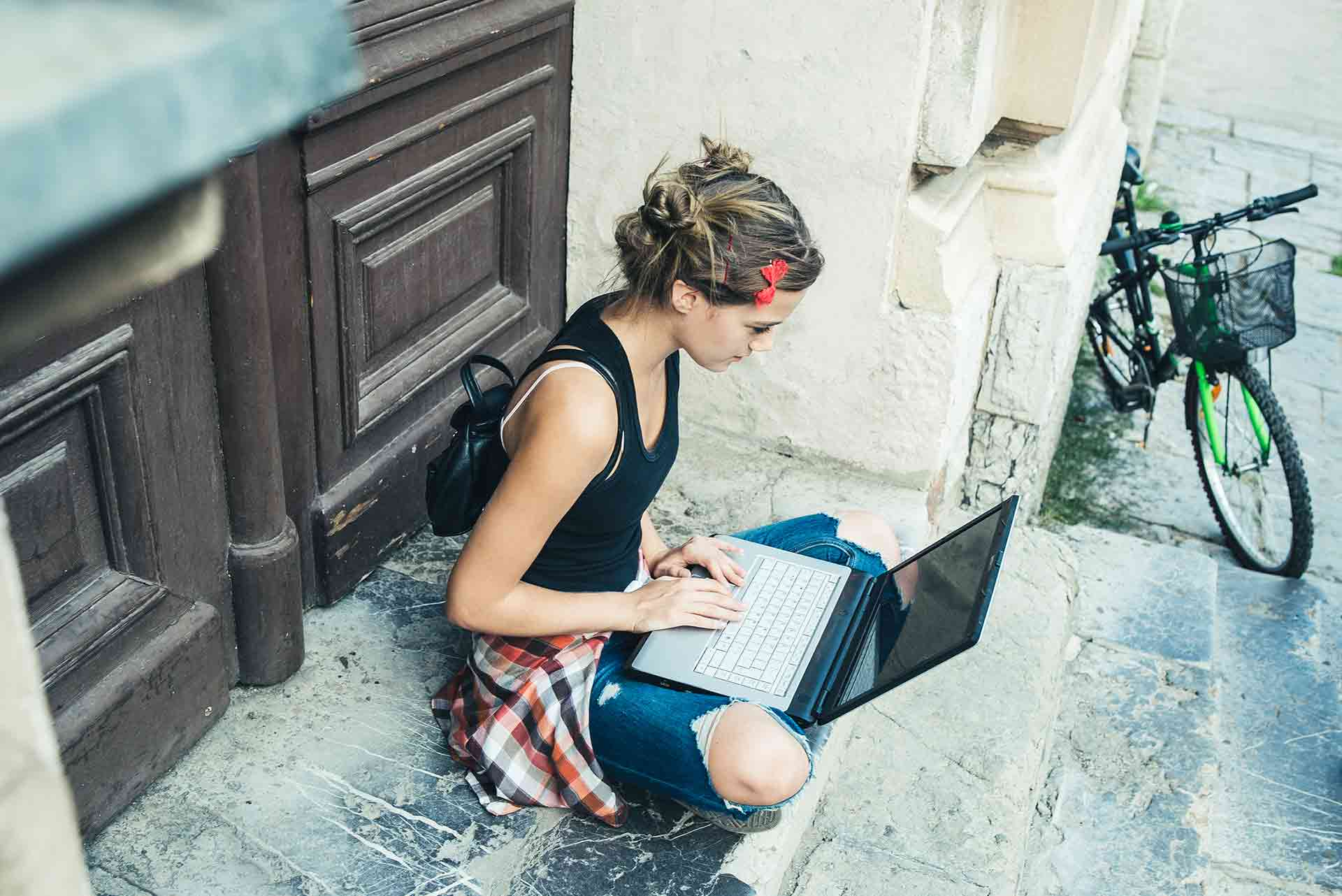 online travel writing course This exciting, hands-on course for the creative writing novice is filled with   include popular styles and types of travel writing that are the friendliest to new  writers  online editing is gaining popularity its complexities will be unraveled  and its.